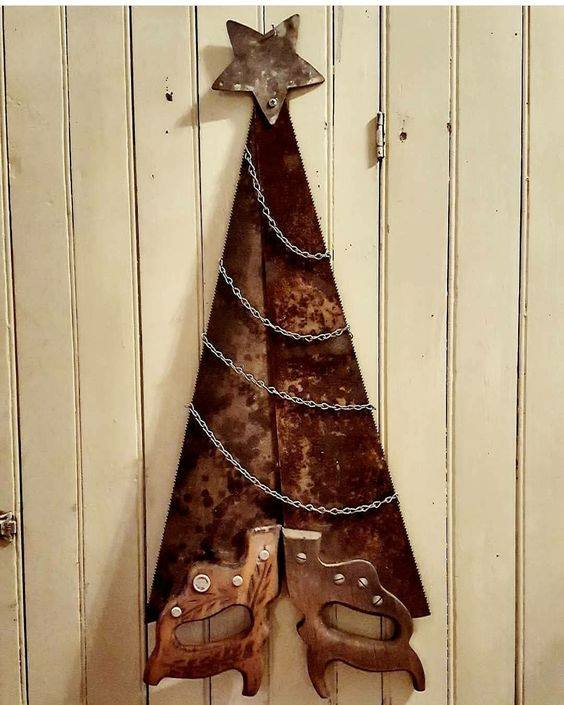 Handsaw Christmas Tree