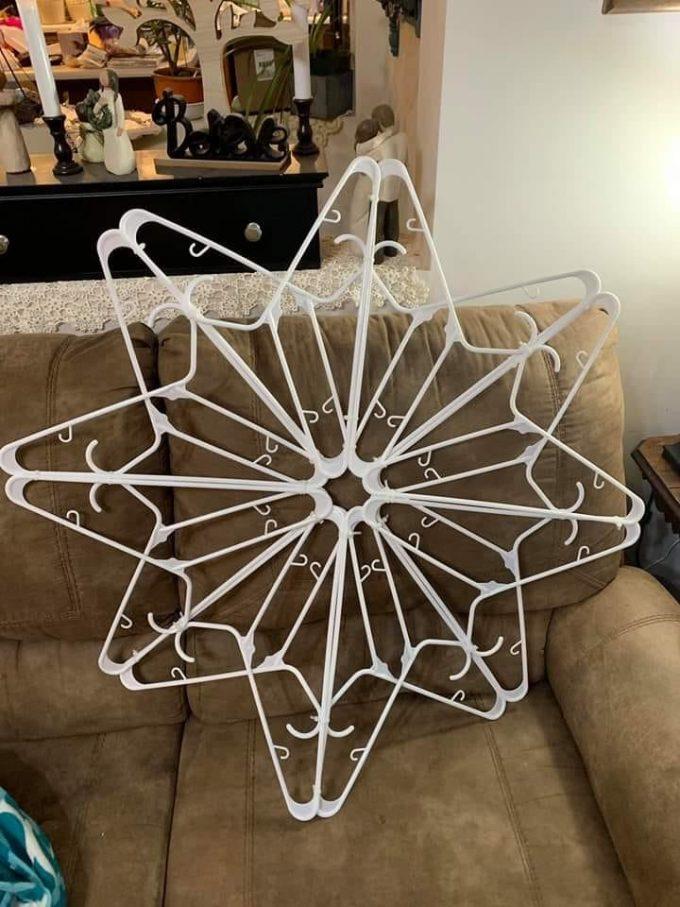 Plastic Hanger Snowflake