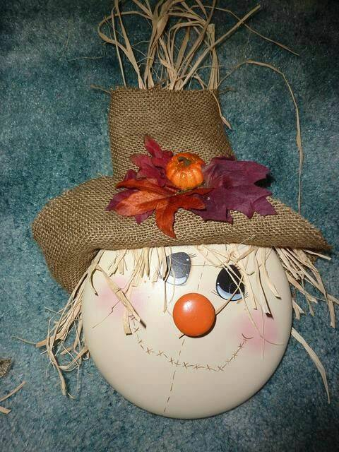 Scarecrow Pot Lid Craft for Fall