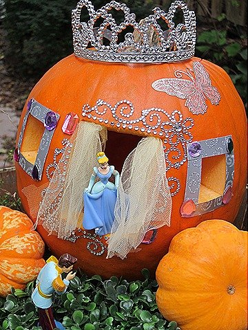 Cinderella Pumpkin...these are the BEST Decorated & Carved Pumpkin Ideas!