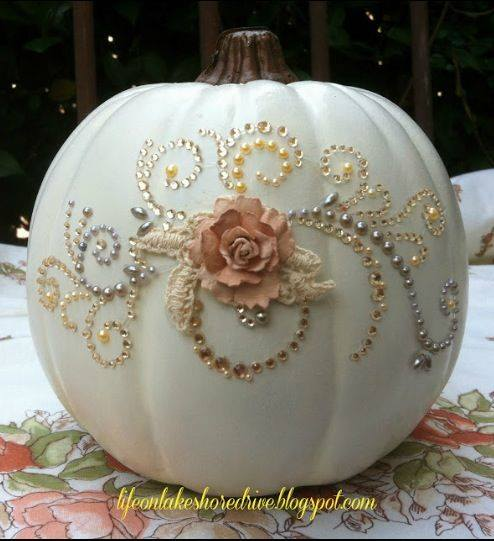 Glitz & Glitter Pumpkin...these are the BEST DIY Carved & Decorated Pumpkin Ideas!
