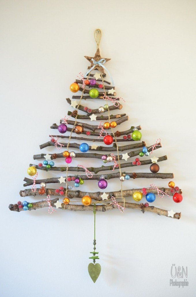 diy hanging stick christmas treethese are the best homemade christmas decorations - Christmas Wall Hanging Decorations