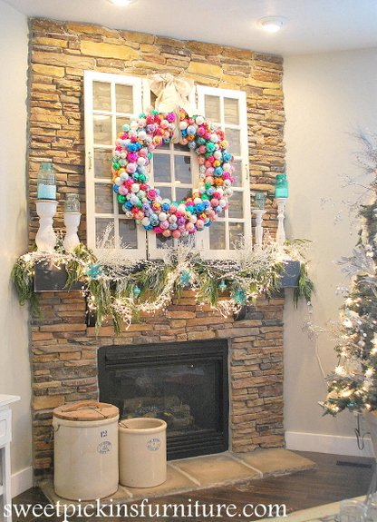 DIY Pool Noodle Wreath...these are the BEST Homemade Christmas Decorations & Craft Ideas!