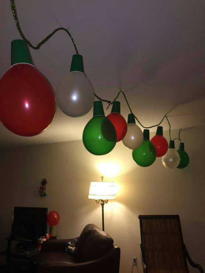 Use balloons and cups to make Christmas light garland...Over 60 of the BEST Christmas Decorating Ideas!