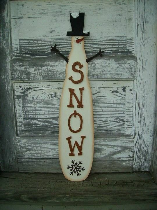 Turn a Fan Blade into a Snowman...so neat! These are the BEST Christmas Decorations!