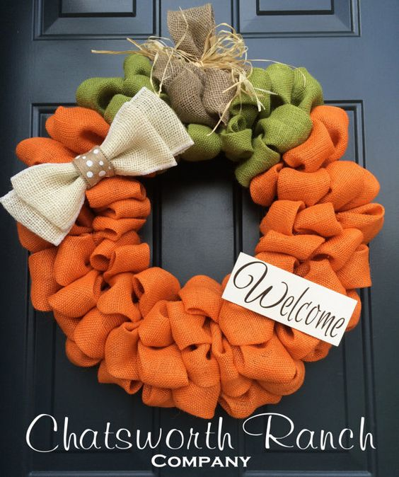 Pumpkin Burlap Wreath....these are the BEST Fall Craft Ideas & DIY Home Decor!