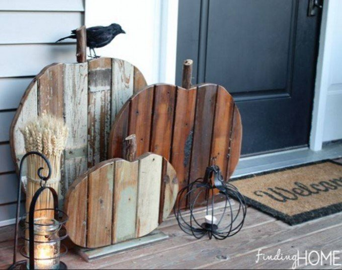 Pallet Wood Pumpkins...these are the BEST DIY Fall Craft Ideas & Home