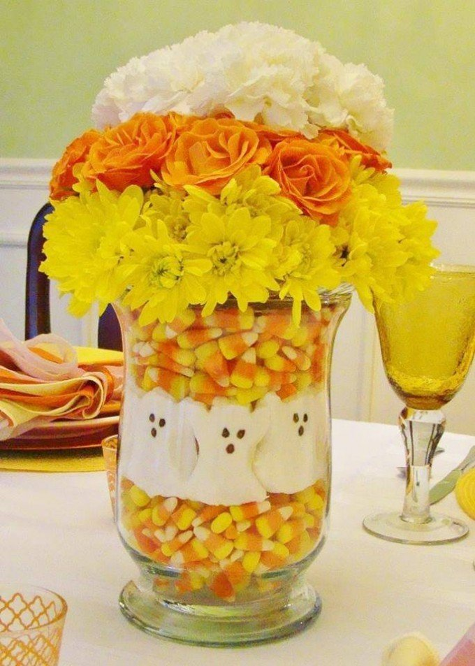 Halloween Flower Centerpiece...these are the BEST DIY Halloween Decor & Homemade Craft Ideas!