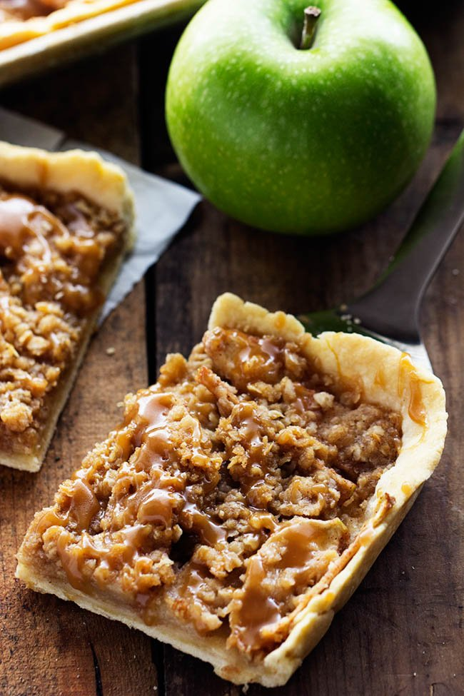 Caramel Apple Slab Pie...these are the BEST Fall Dessert Recipes!