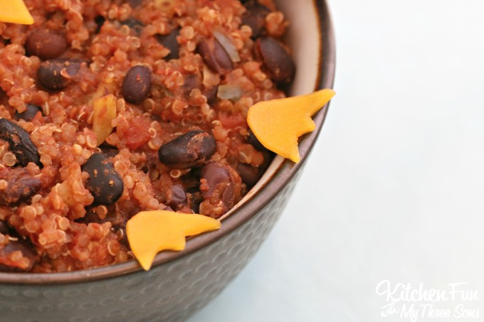 Owl Chili Recipe...your Kids will love this fun & easy vegetarian dinner!