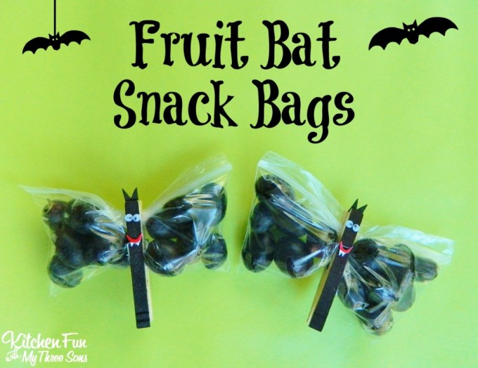 Halloween Fruit Bat Snack Bags for Kids!