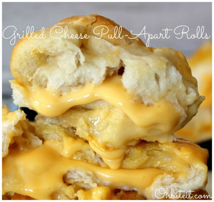 Grilled Cheese Pull-Apart Bread...these are the BEST Super Bowl Football Party Food & Recipe Ideas!