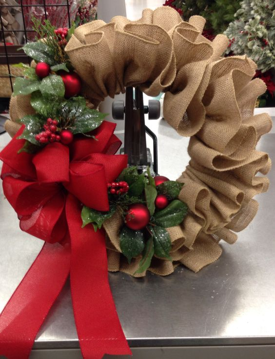 Christmas Burlap Ruffle Wreath Over 30 Of The Best Homemade Holiday Ideas