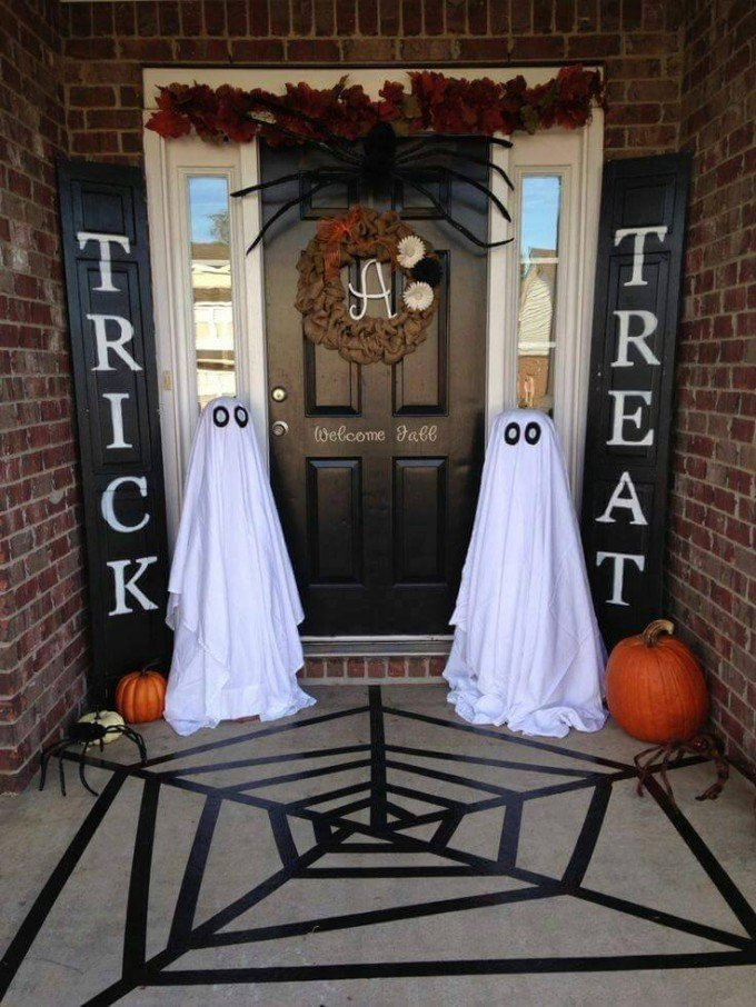 Halloween Entryway...these are the BEST Homemade Halloween Decorations u0026 Craft Ideas! : halloween decorations homemade ideas - www.pureclipart.com