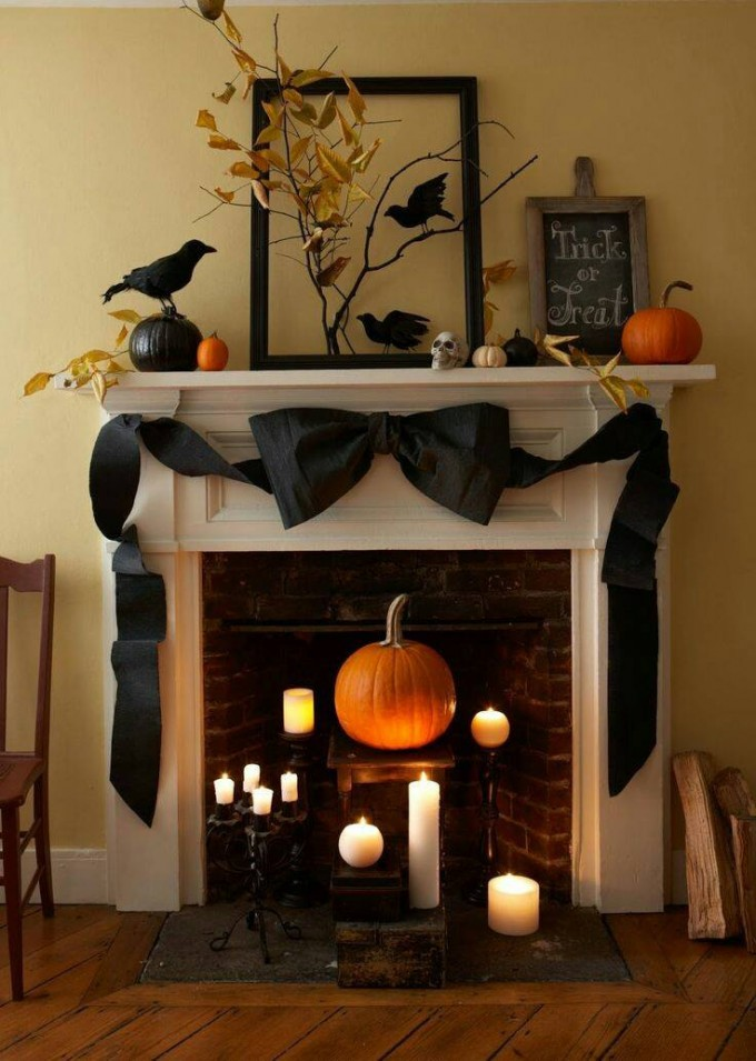 Halloween Mantel....these are the BEST Homemade Halloween Decorations & Craft Ideas!