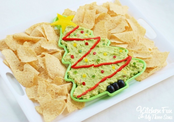 Christmas Tree Guacamole Dip …