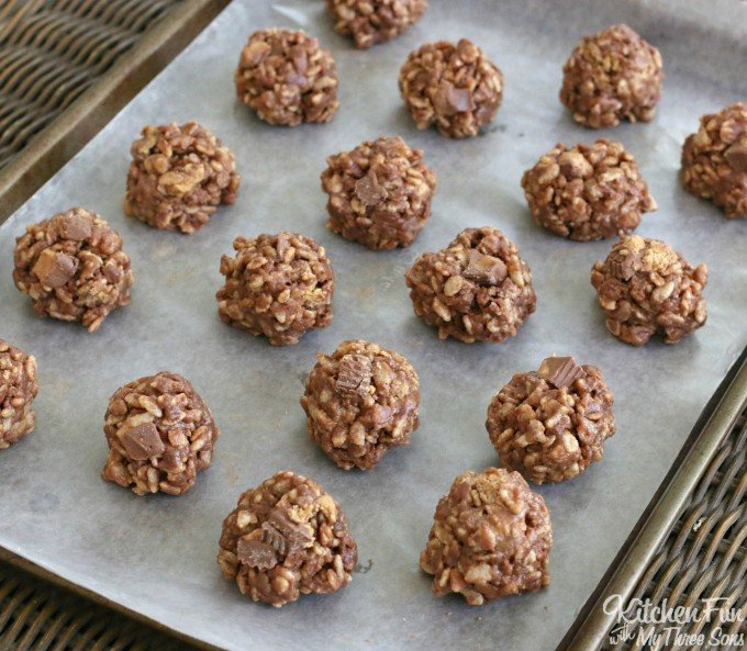 Reese's Cookies - No Bake Peanut Butter & Chocolate Rice Krispies Treats Recipe