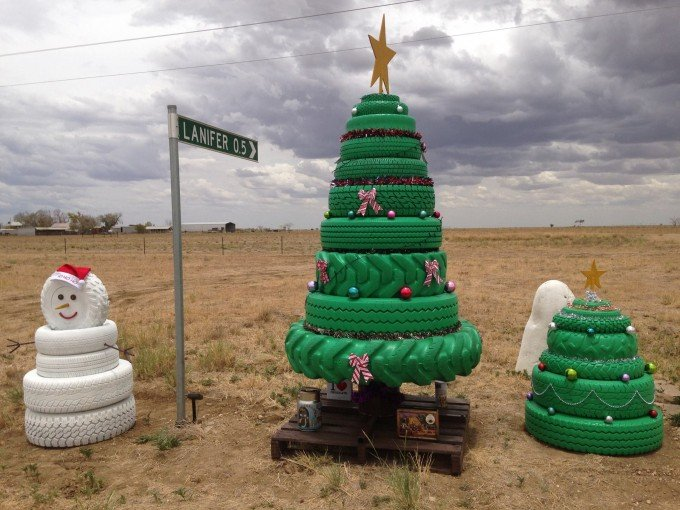 Outdoor Tire Trees...these are the most Creative Christmas Trees!