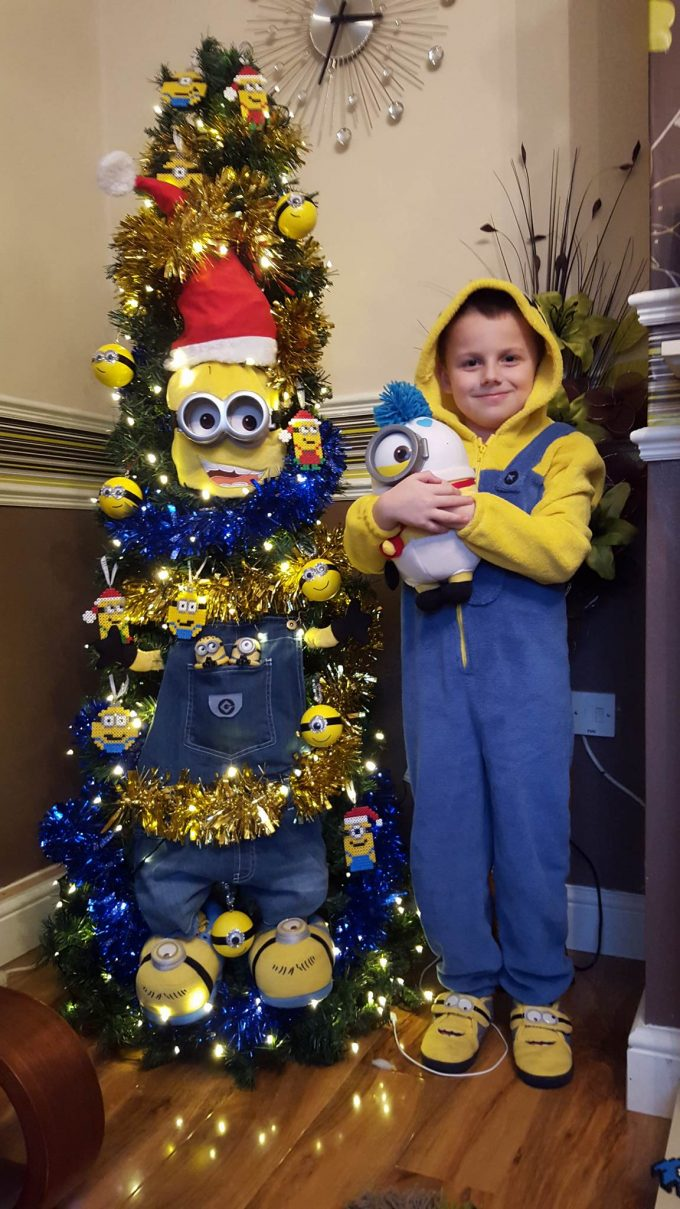 minion christmas tree - Grinch Christmas Tree Decorations