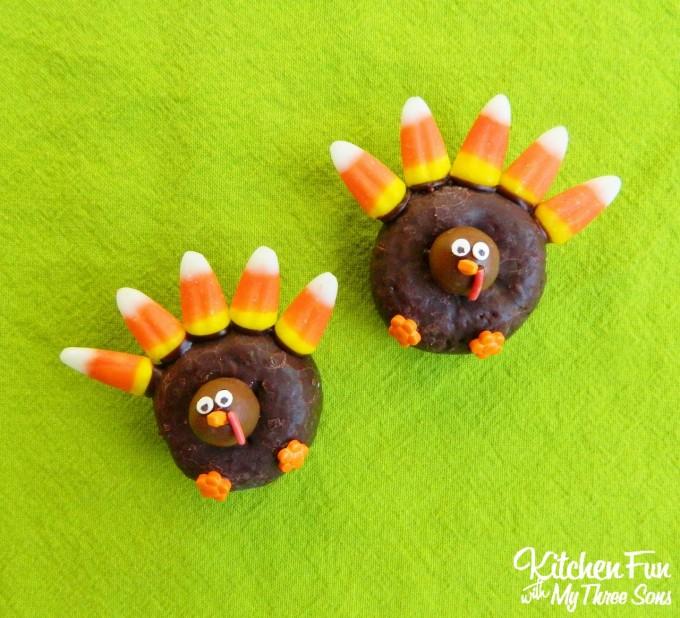 Easy Thanksgiving Turkey Donuts
