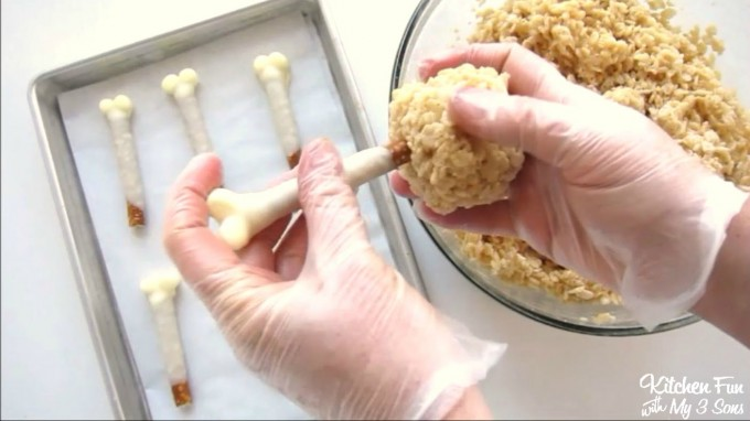 Rice Krispies Turkey Legs...such a fun & easy treat to make the Kids for Thanksgiving!