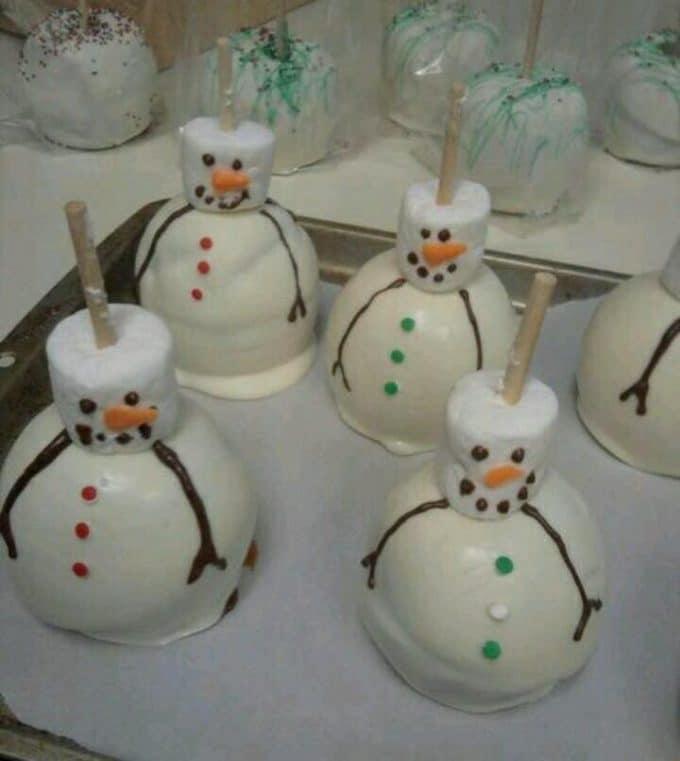 Chocolate Covered Snowman Apples...Over 50 of the BEST Christmas Treat ideas!