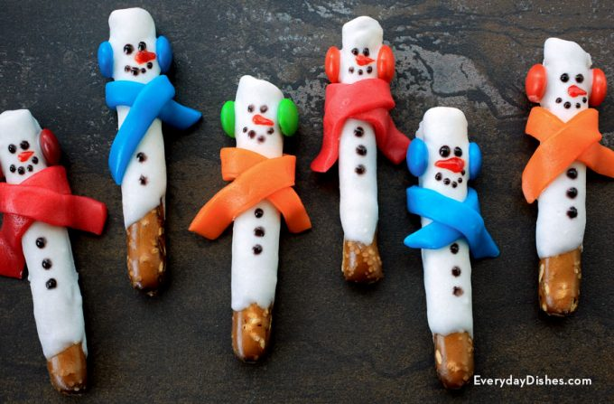 Snowman Pretzel Rods...these are the BEST Christmas Treats!