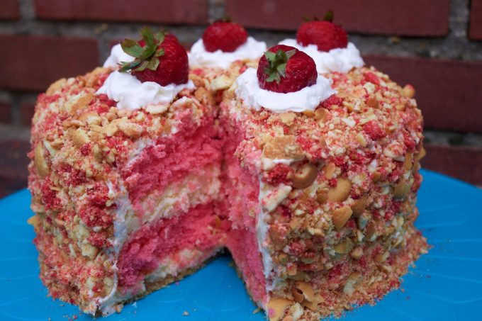 Strawberry Shortcake Cheesecake Cake...these are the BEST Cake Ideas!