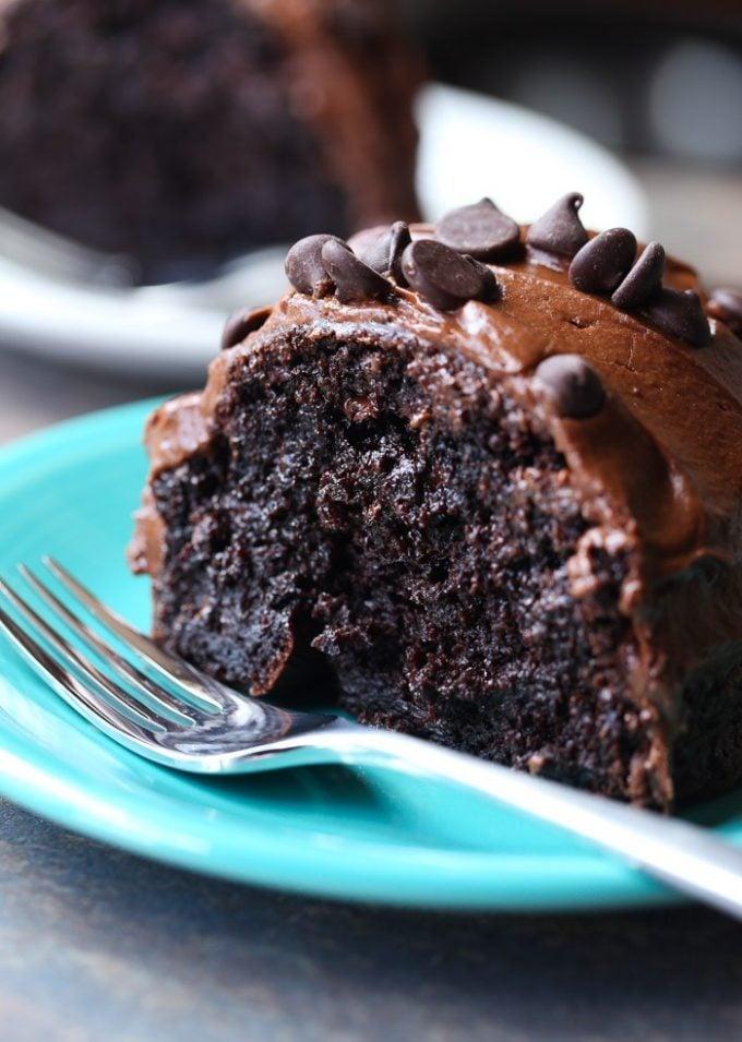 Super Moist Chocolate Cake Box