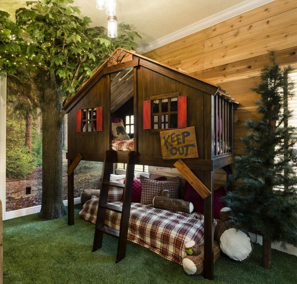 Spectacular Treehouse Bunk Beds