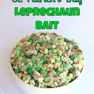St. Patrick's Day Leprechaun Bait Snack Mix