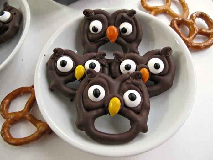 Halloween Owl Pretzel Treats