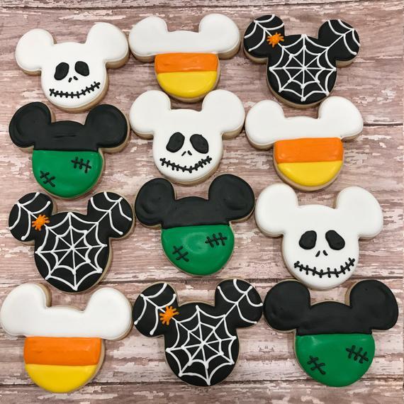 Halloween Mickey Mouse Cookies - BEST Halloween Treat ideas!