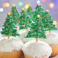 Chocolate Christmas Tree Pretzel Cupcakes