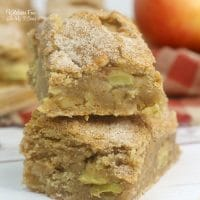These Apple Blondies taste like a combination of a brownie and an apple pie. It's a combo I just adore!