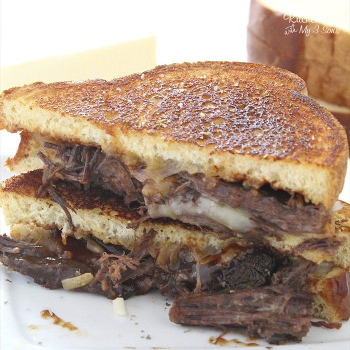 Brisket Grilled Cheese Sandwich is a quick and easy dinner recipe. With three cheeses, BBQ sauce and beef brisket, this is a total winner.