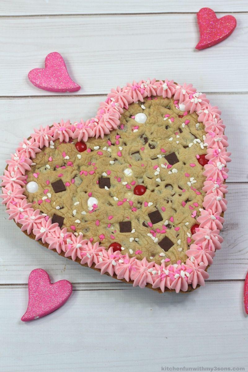 cookie heart cake