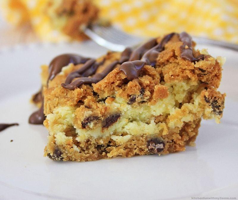 Chocolate Chip Cheesecake Bars Recipe