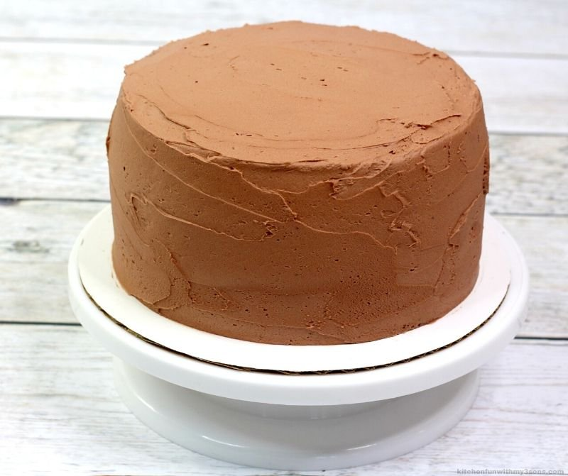 frosted chocolate cake