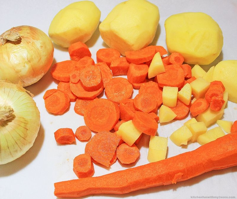 Easy Minestrone Soup ingredients
