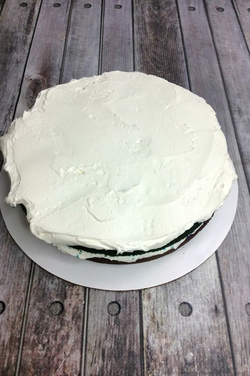 round cake with frosting