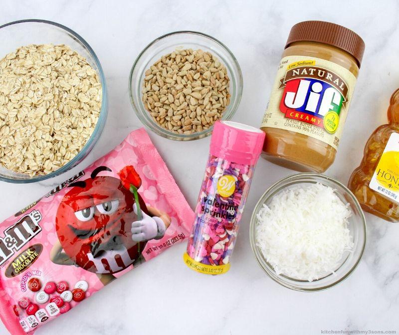 Valentine's Day Oatmeal Bites ingredients