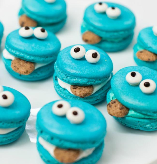Cookie Monster Macarons