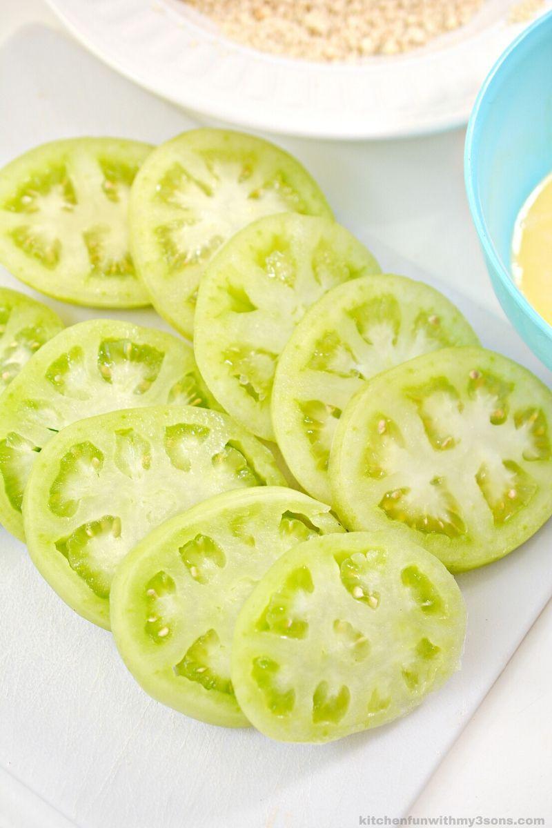 sliced green tomatoes