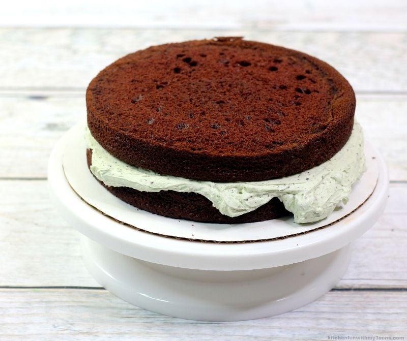 2 payers of chocolate cake
