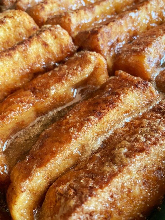 Baked French Toast Casserole with Caramelized Glaze
