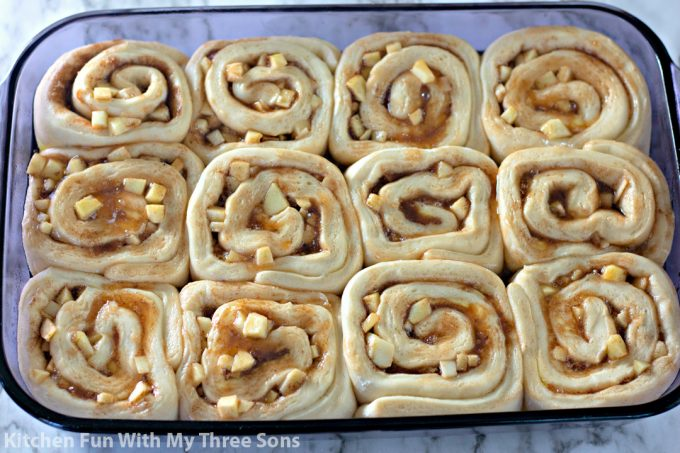cinnamon rolls in a Pyrex pan ready to be baked