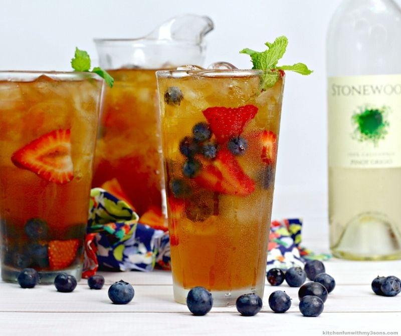 sweet tea sangria in a glass