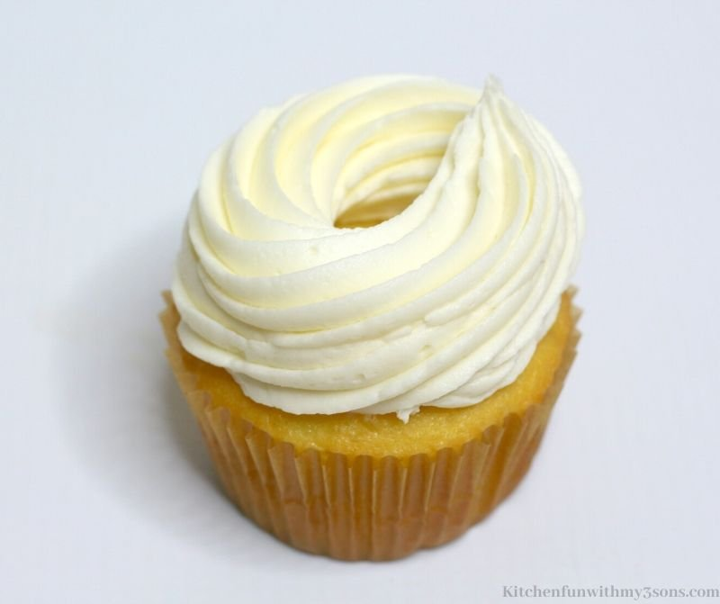 frosting wall on cupcake