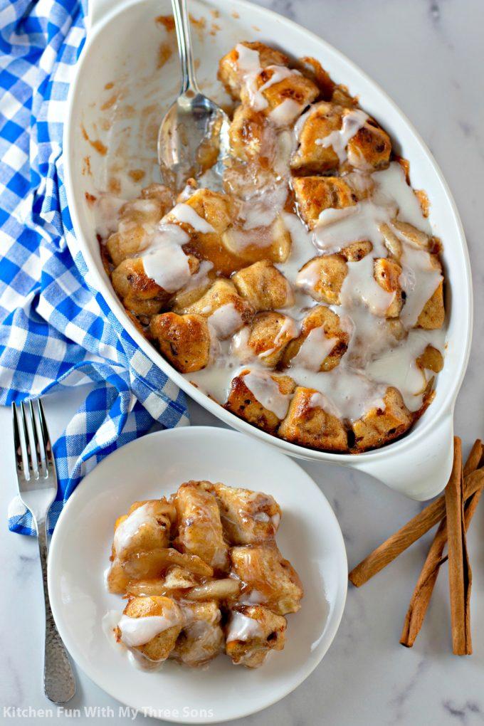 Easy Cinnamon Apple Cobbler